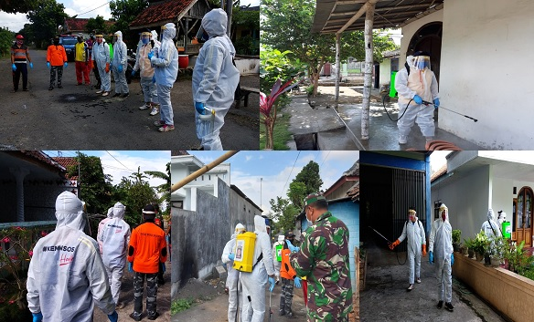 Tagana Lumajang Lakukan Penyemprotan di Zona Merah Pandemi Covid 19